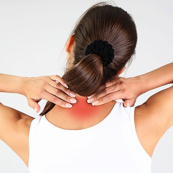 neck-pain-in-young-woman_Easy-Resize.com